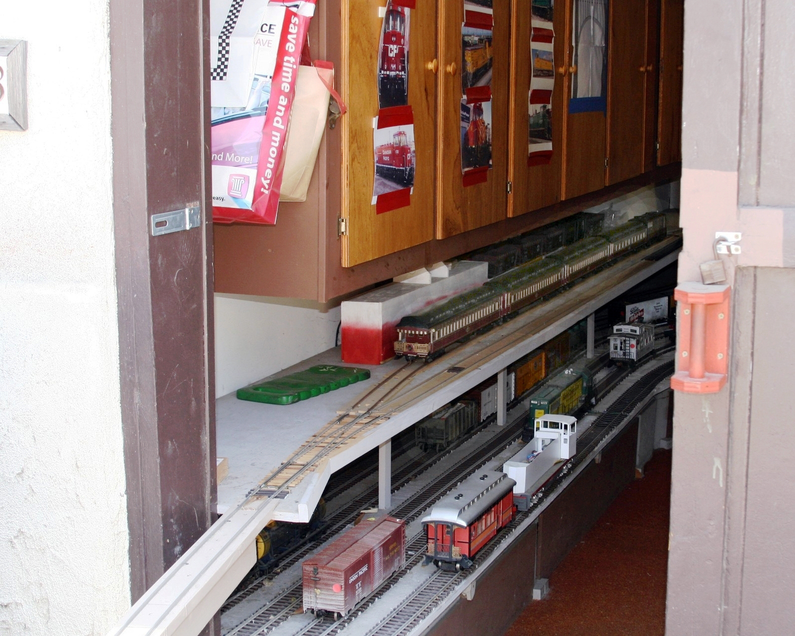 Seidensticker Track runs through a convenient workshop and storage shed for the trains